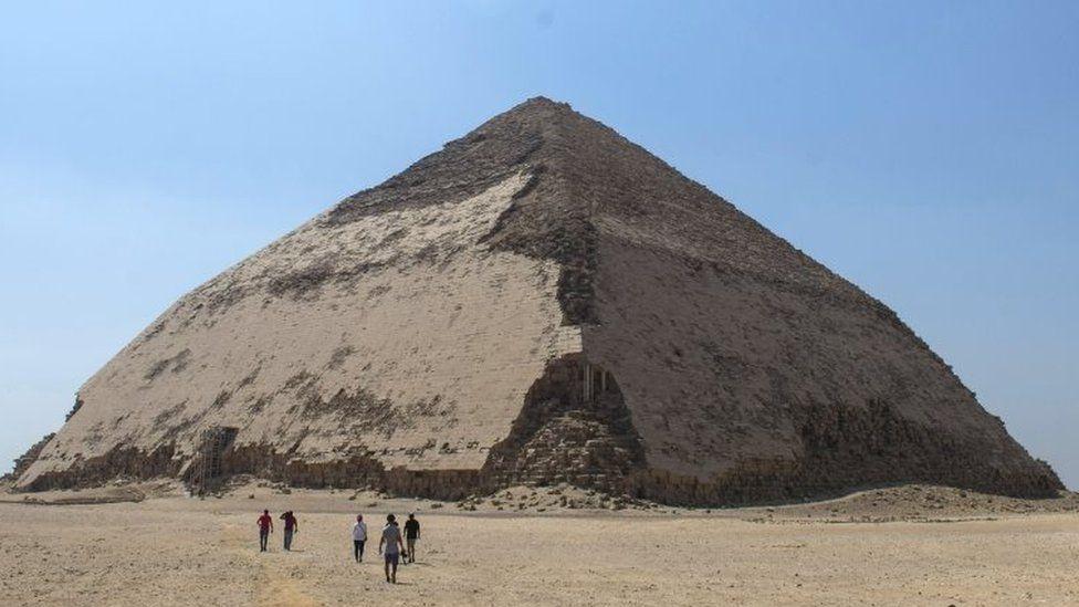 ломана піраміда снофру