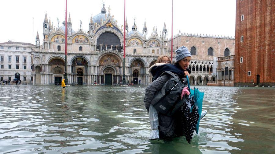 venice flood underwater